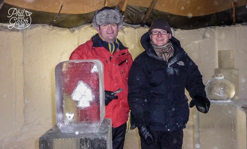 Jukkasjarvi_ice_carving_icehotel_sweden_travel_review_tips