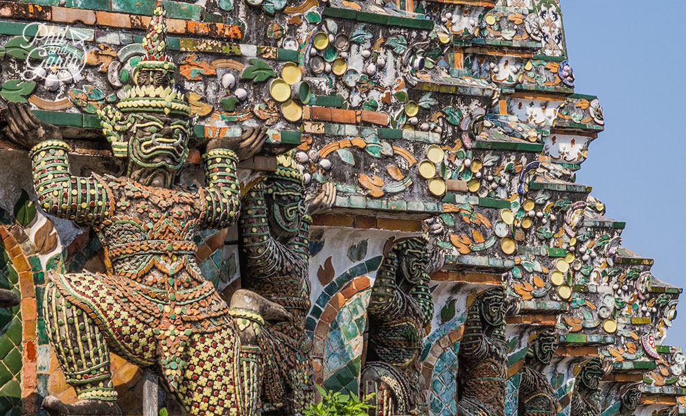 Wat_Arun_temple_Bangkok_video_and_review_flashpacker_tv