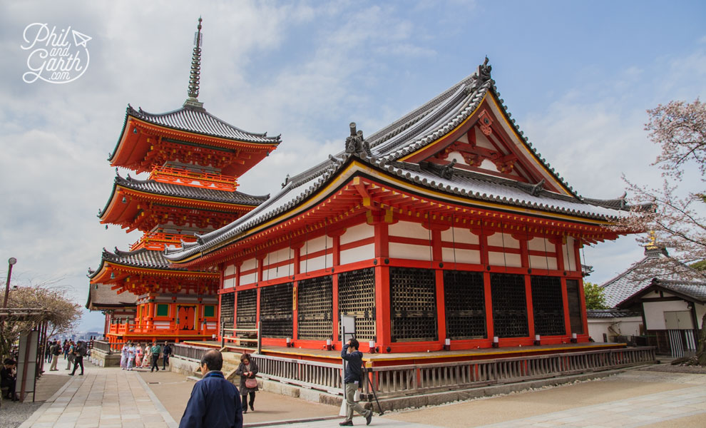 kyoto_Kiyomizudera_Temple_2_travel_review_and_quick_video