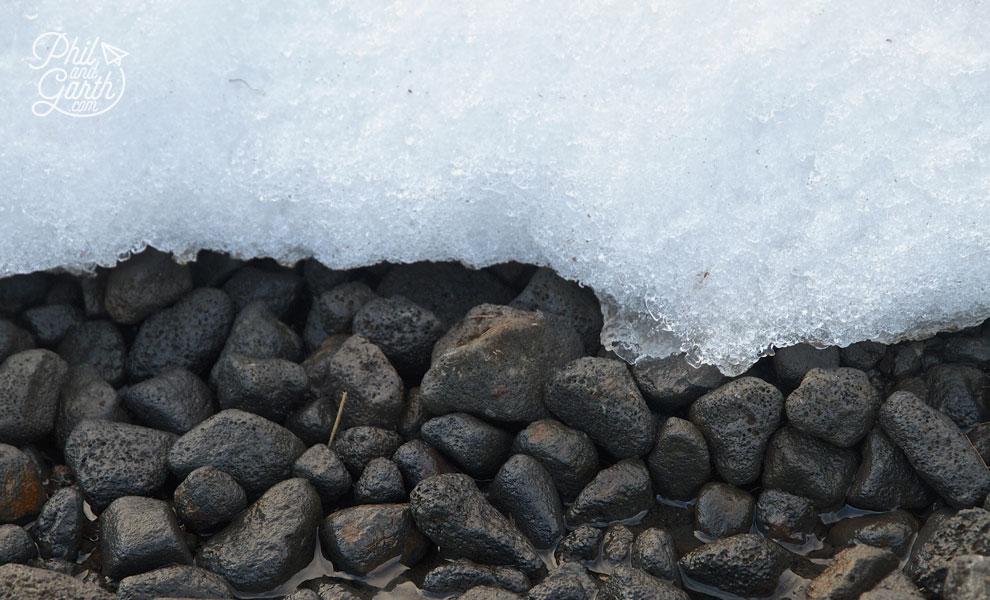 reykjavik_geothermal_hike_Hveragerdi_snow_meets_hot_spring