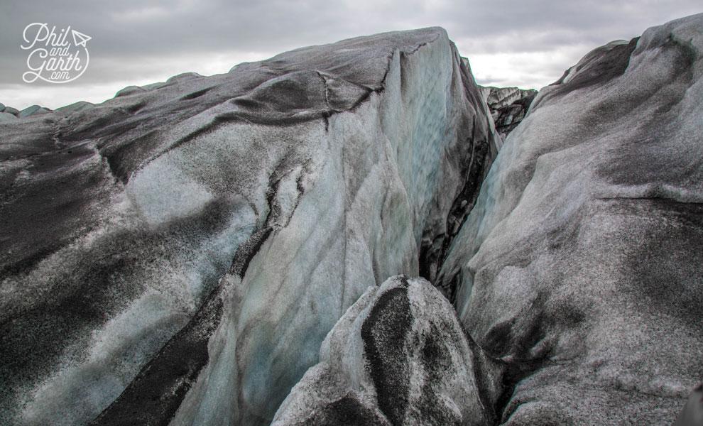 Iceland-south-glacier-hike-Svinafelljokull-glacier-cravass-travel-review