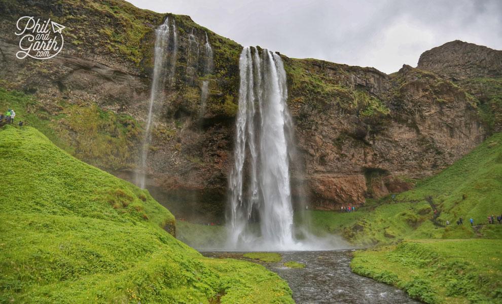 Iceland_Seljalandsfoss_waterfall_travel_review