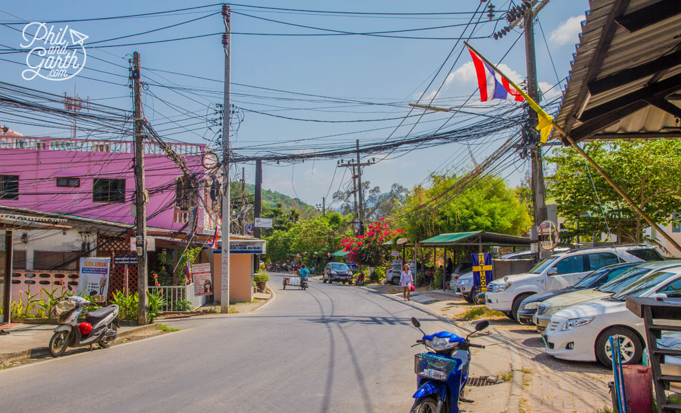 Phuket-surin-hotel-street-travel-review