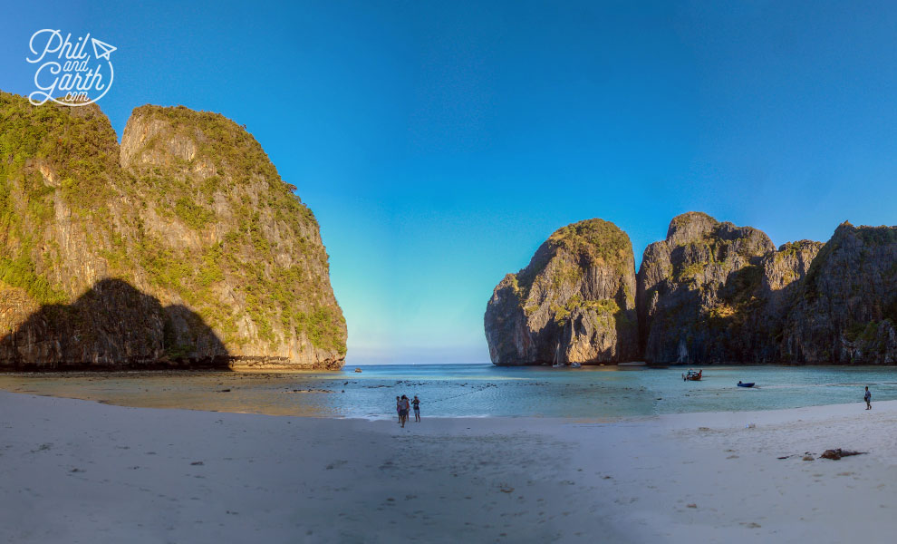 Phuket_Maya-Bay_Ko_Phi_Phi_Leh-wide-shot-travel_review