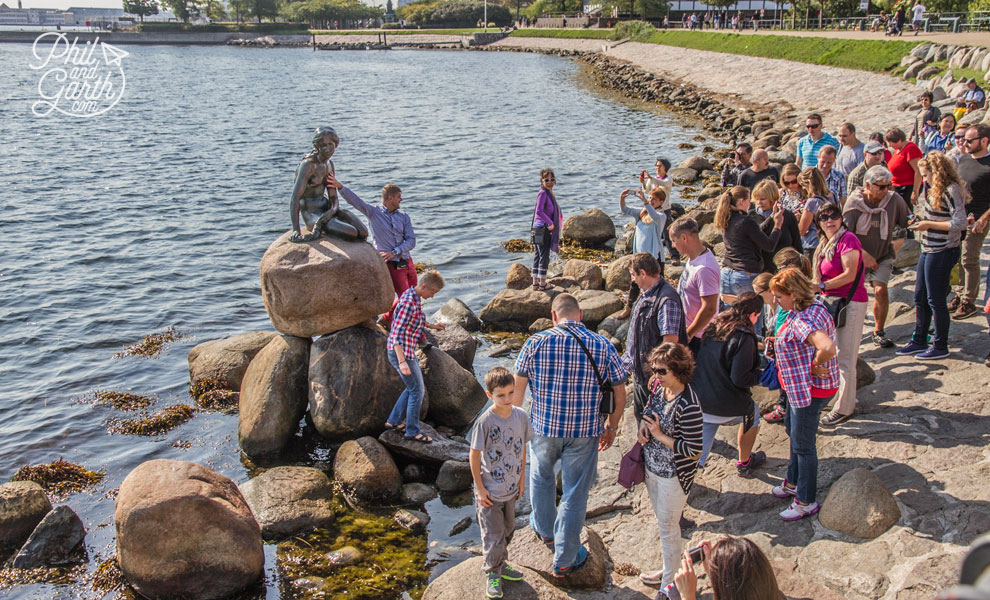copenhagen_Little_Mermaid_crowds_travel_review_and_video