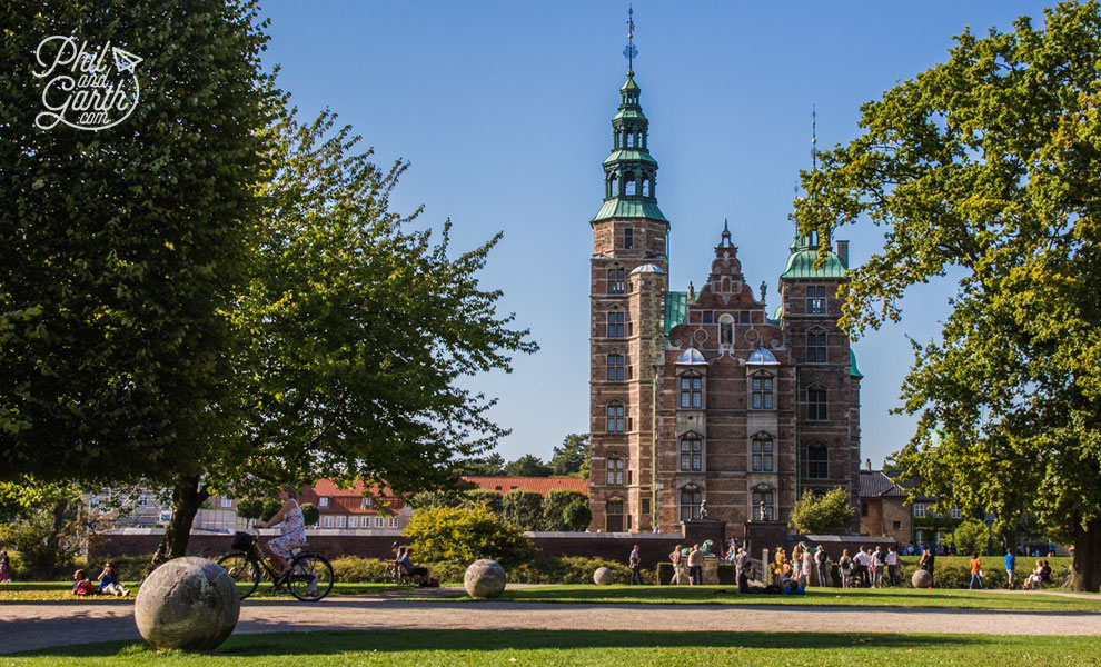 copenhagen_Royal_Residence_The_Rosenborg_Castle_travel_review_and_video
