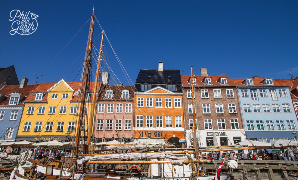 copenhagen_nyhaven_colourful_buildings_travel_review_and_video