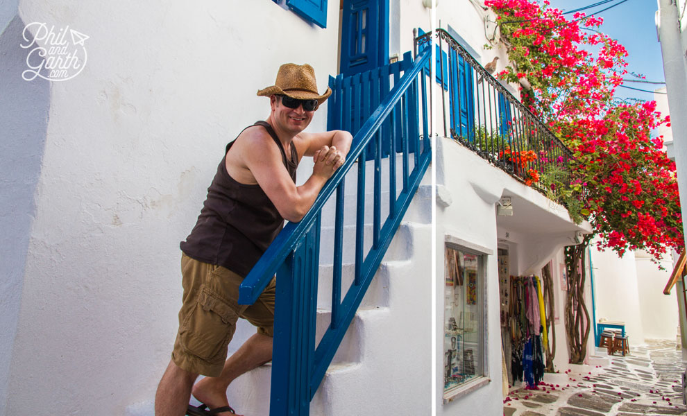 Mykonos_phil_in_pretty_street