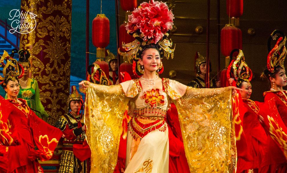xian_tang_dynasty_theatre_3