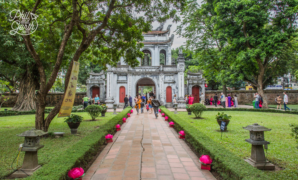The Great Portico, entrance to the Temple of Literature