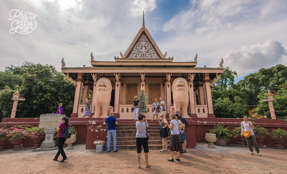 Wat Phnom, Buddhist temple