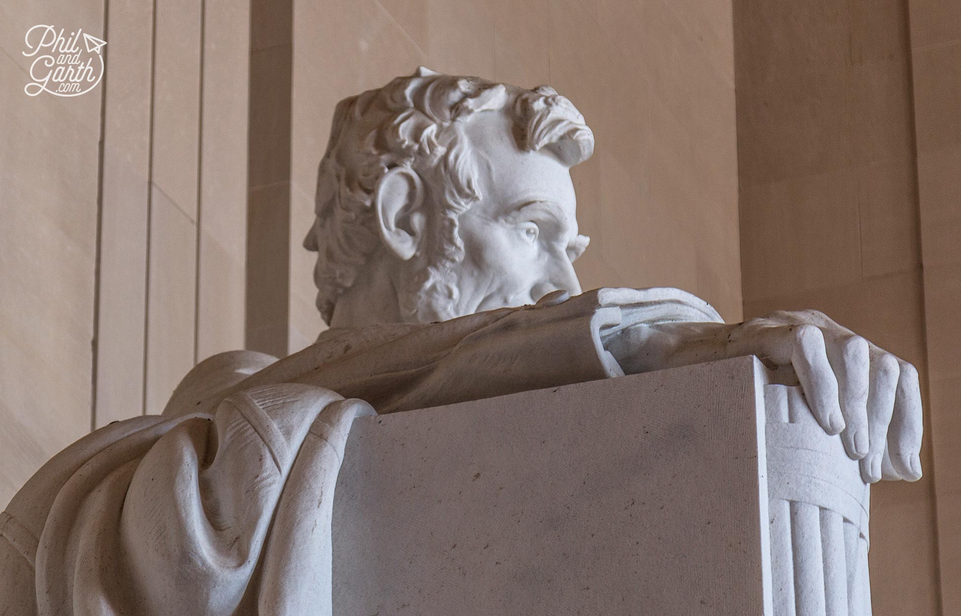 Can you spot the hidden face of army General Robert E Lee on the Lincoln Memorial?