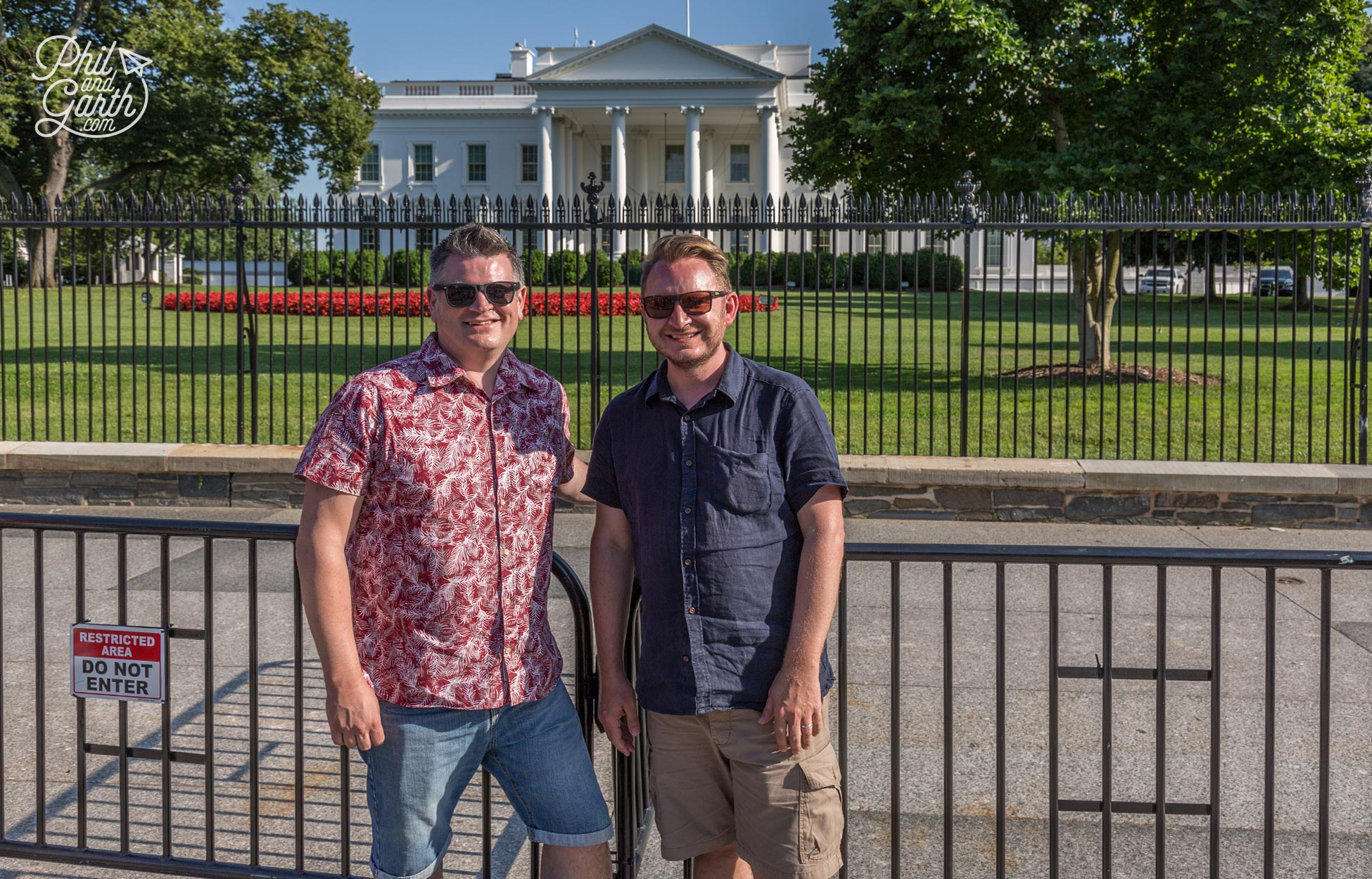 Phil and Garth outside The White House
