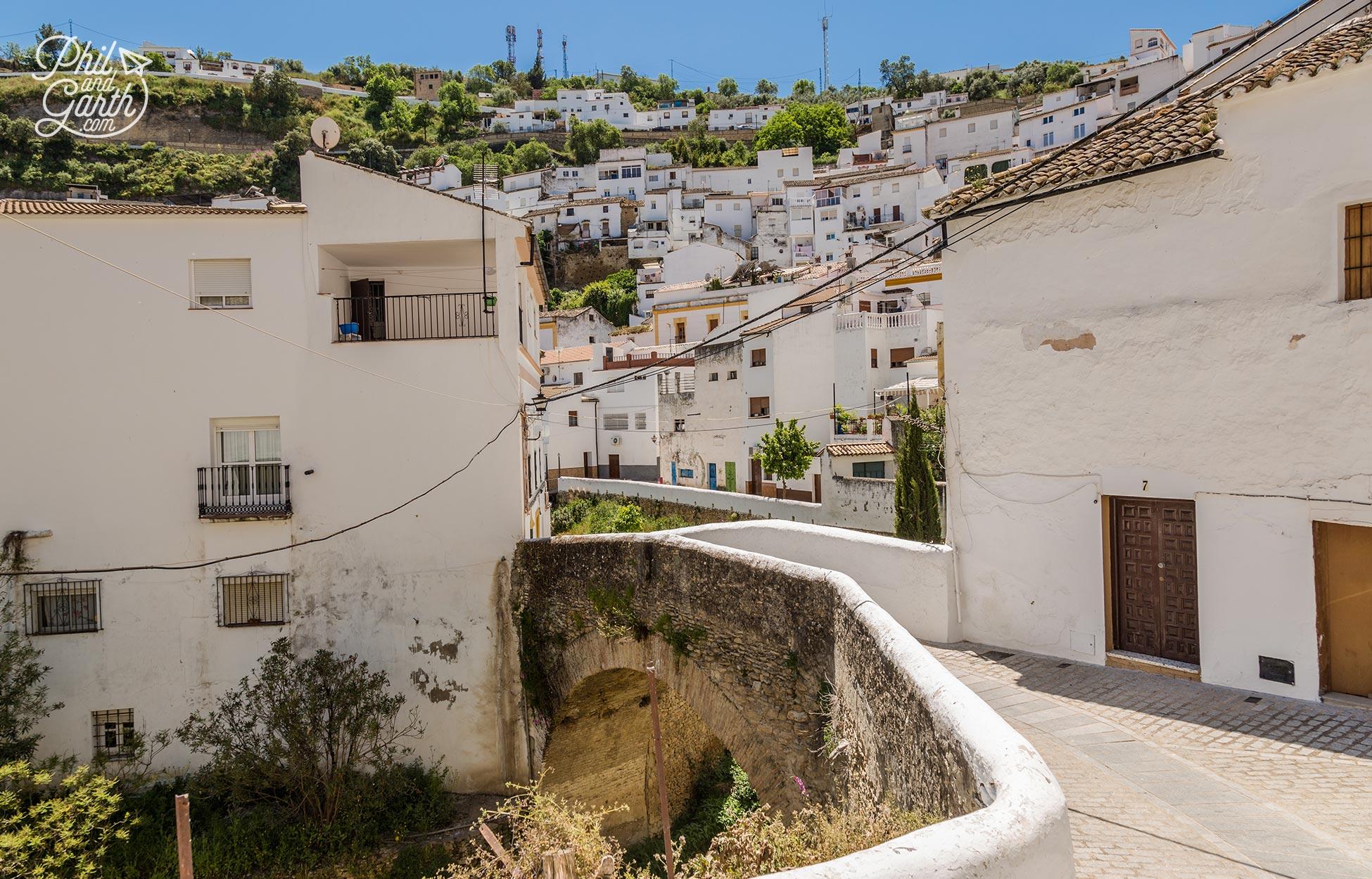 Wandering the streets of Setenil de las Bodegas