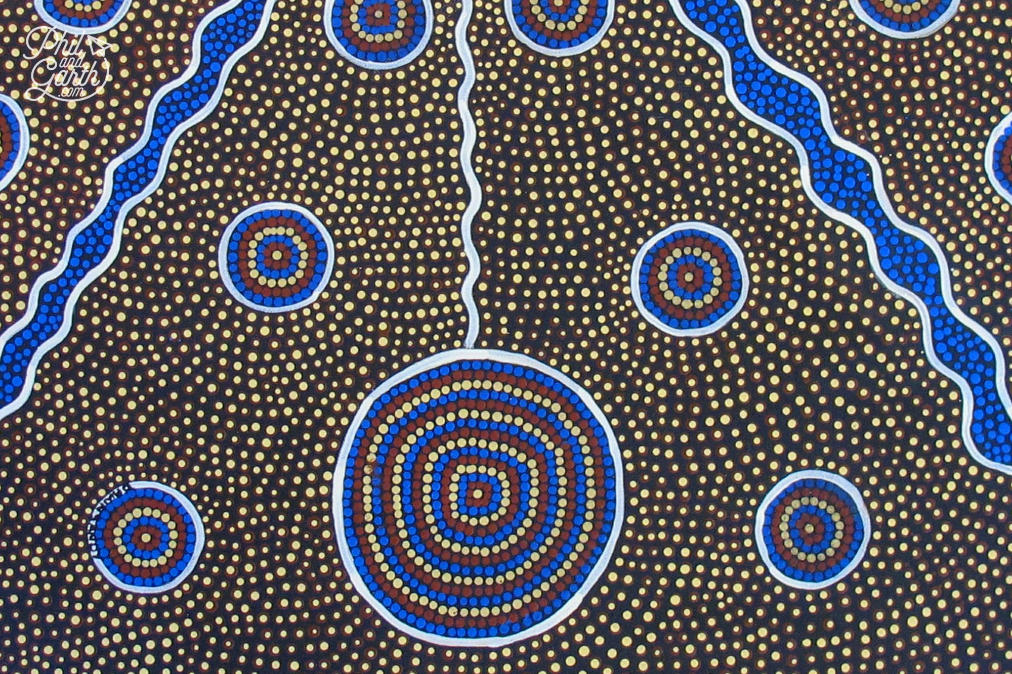 Aboriginal art, souvenirs, snacks and drinks can be bought from the Uluru Cultural Centre