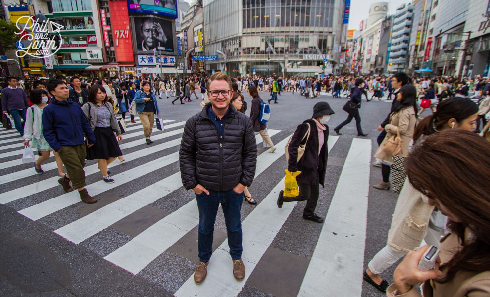 Tokyo_Garth_Shibuya_Pedestrian_Scramble_Crossing_travel_review_and_video