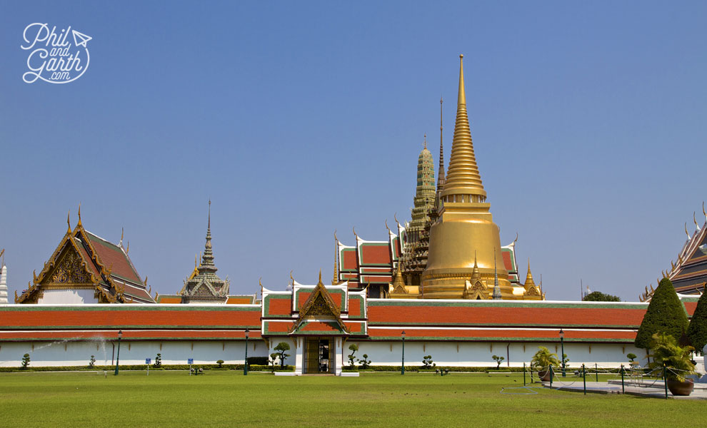 Wat_Phra_Kaew_2_Bangkok_video_and_review