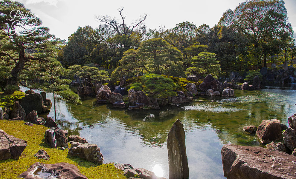 kyoto_japan_Nijo_jo_Castle_garden_travel_review_and_quick_video