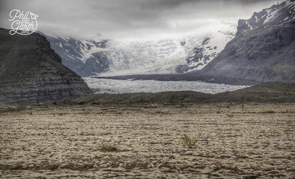 Iceland-south-glacier-between-mountains-travel-review