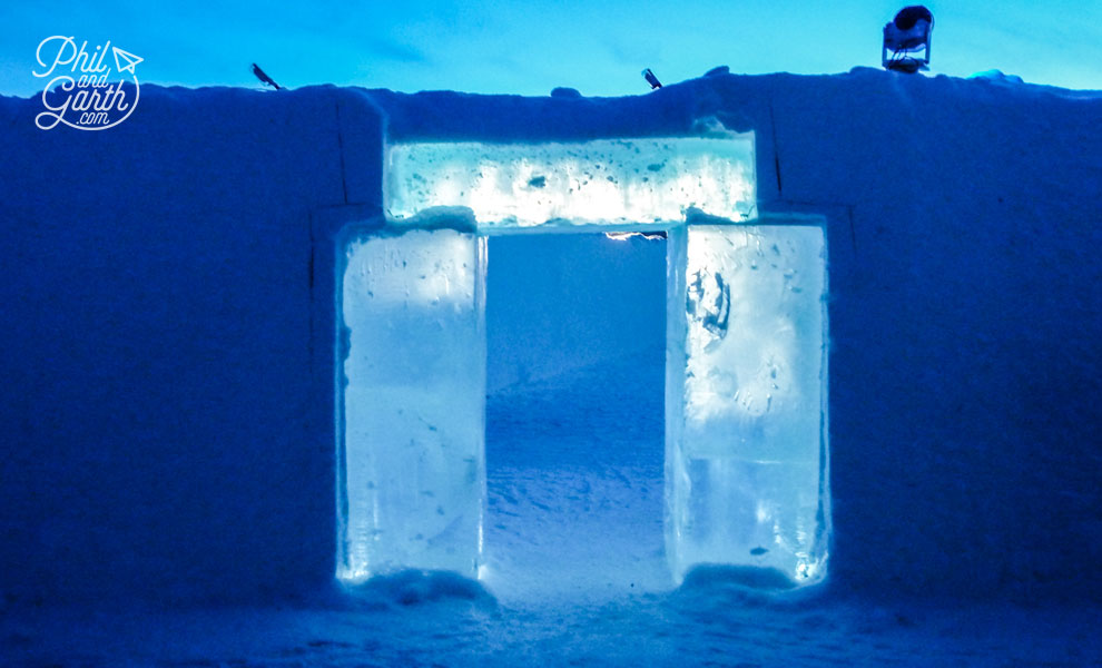 Jukkasjarvi_arch_of_ice_at_icehotel_sweden_travel_review_tips