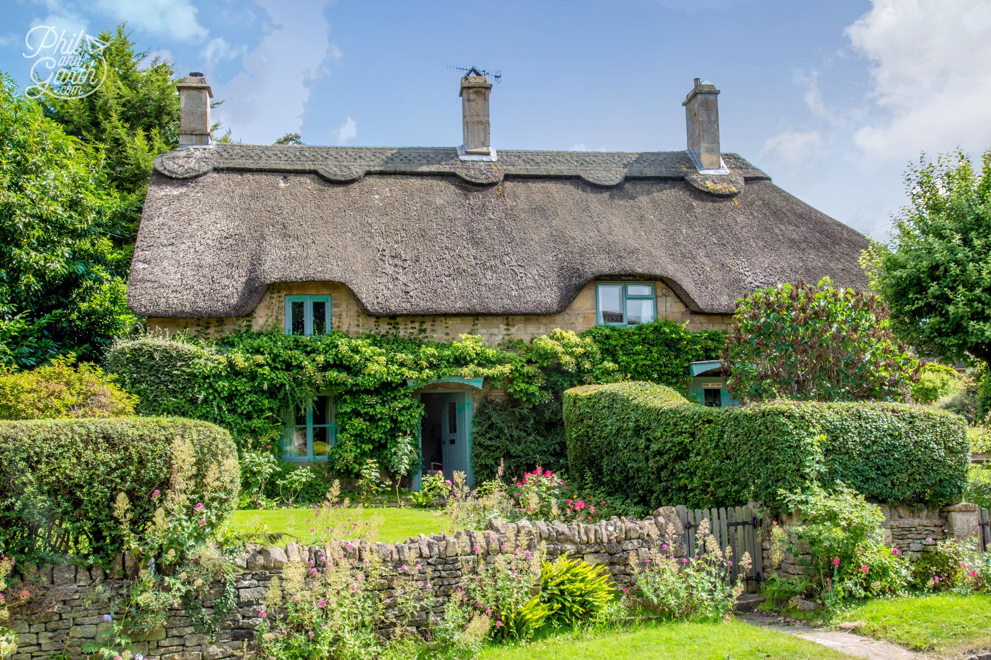 A couple of beautiful thatched cottages in Chipping Campden