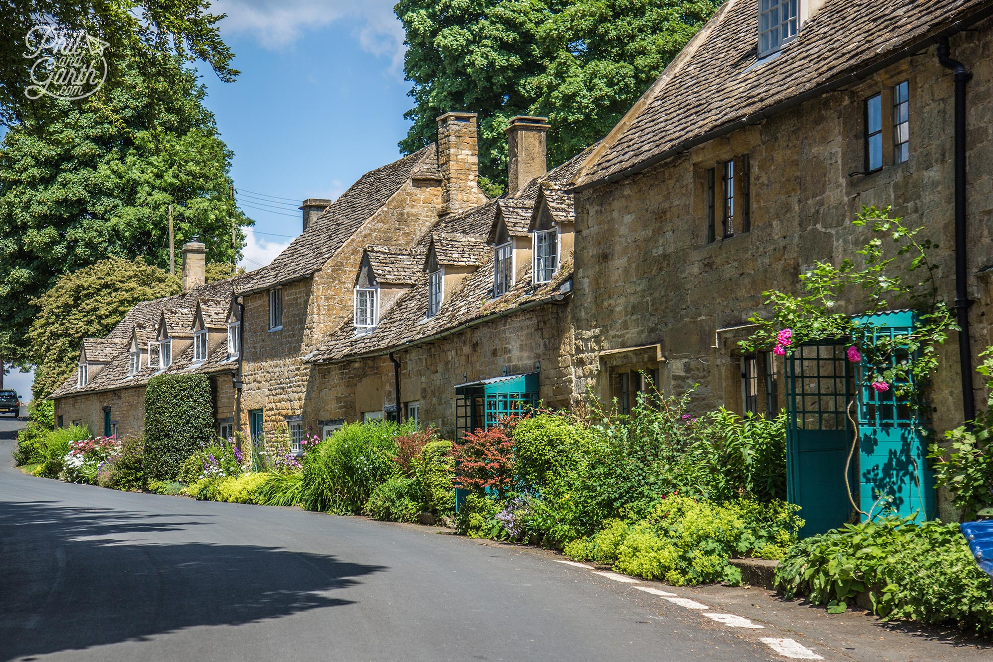 Lovely row of cottages in Snowshill