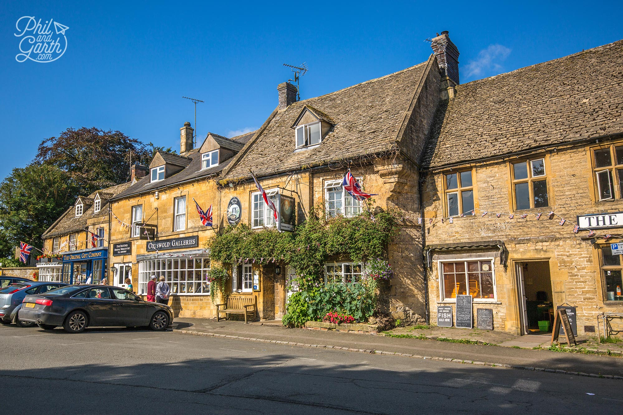 Stow-on-the-Wold tea and souvenir shops