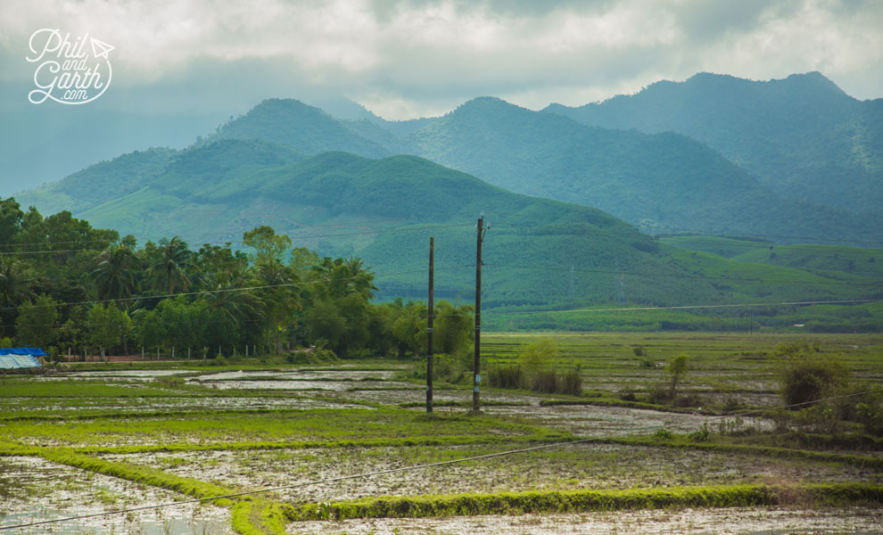 Hoi_An_the_road_to_Danang