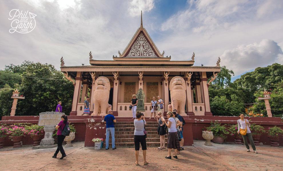 Wat Phnom, Buddhist temple