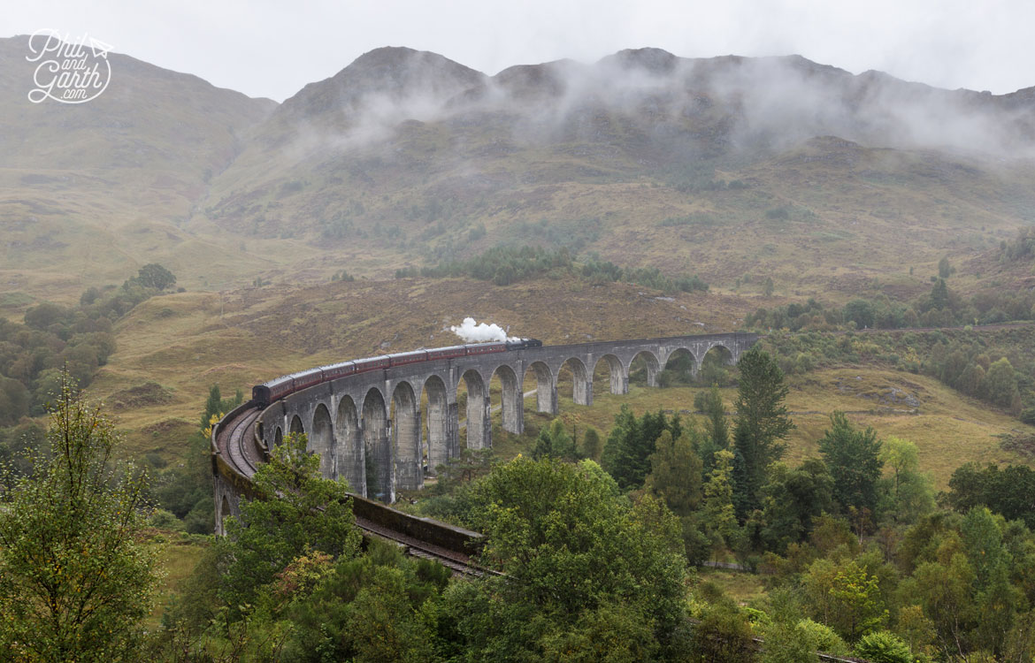 Scottish Highlands in 7 Days - The 'Harry Potter' Glenfinnan Viaduct