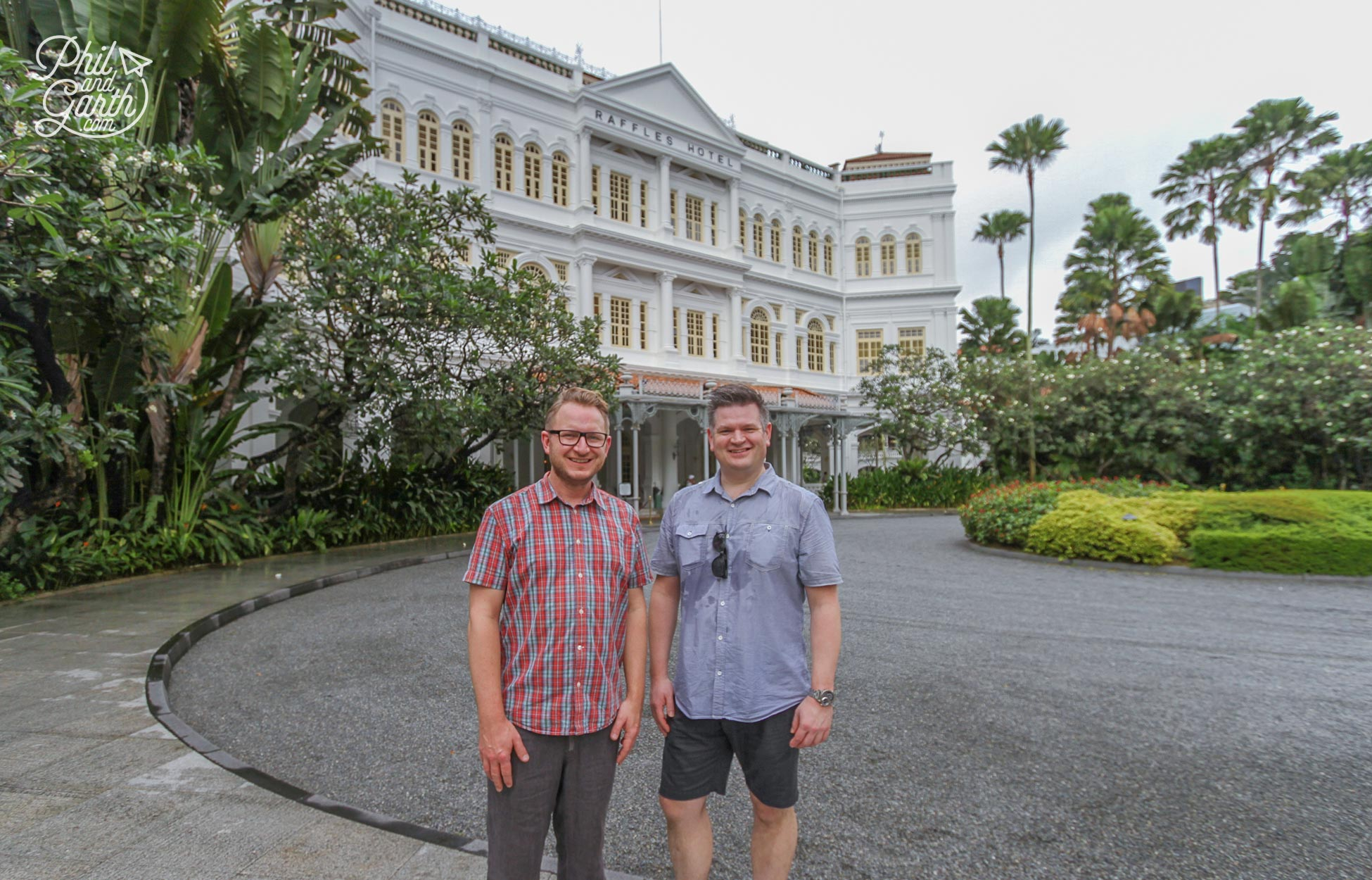 Garth and Phil at Raffles Hotel in Singapore