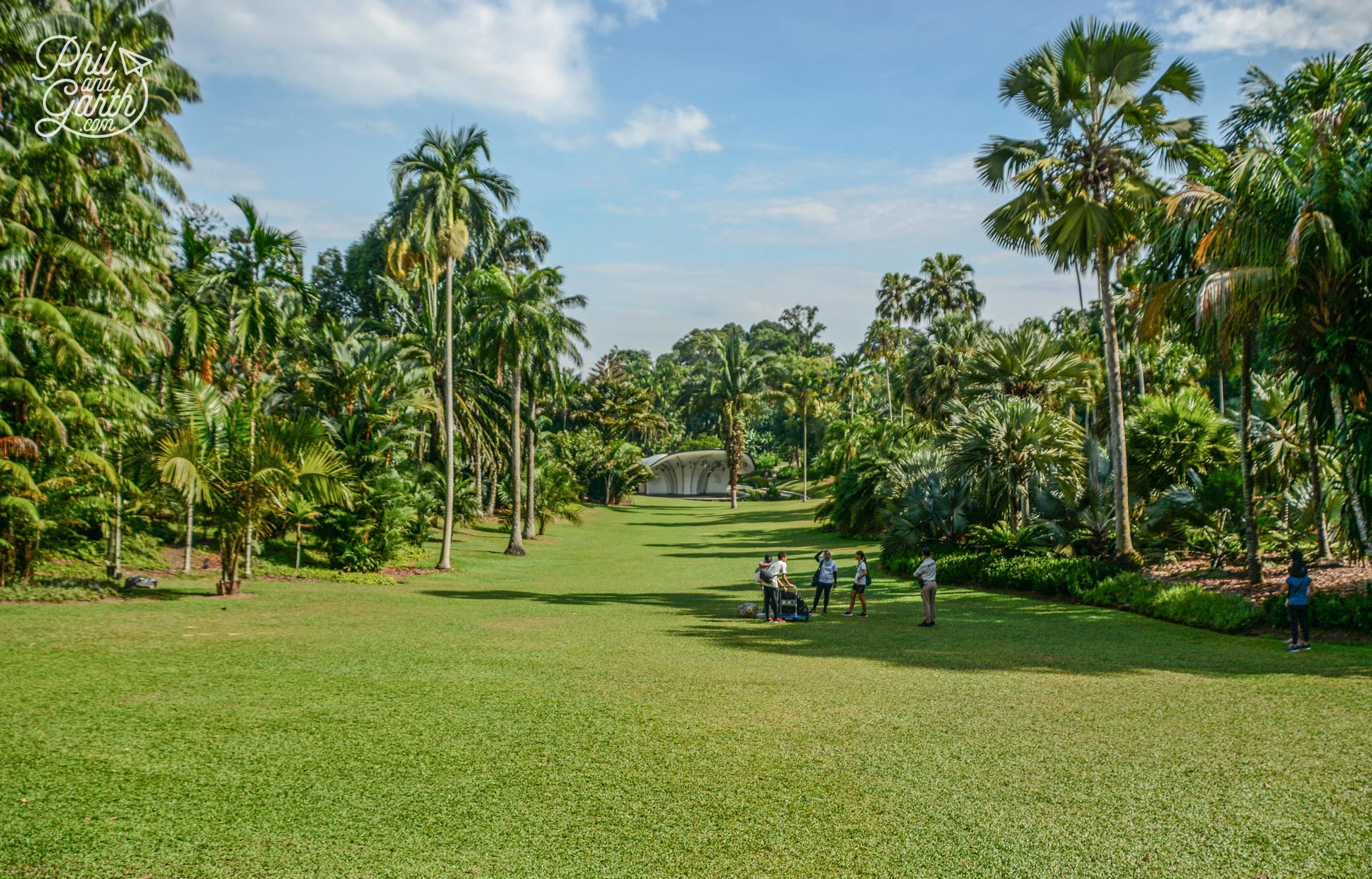 The gardens are popular with locals for jogging and picnicking