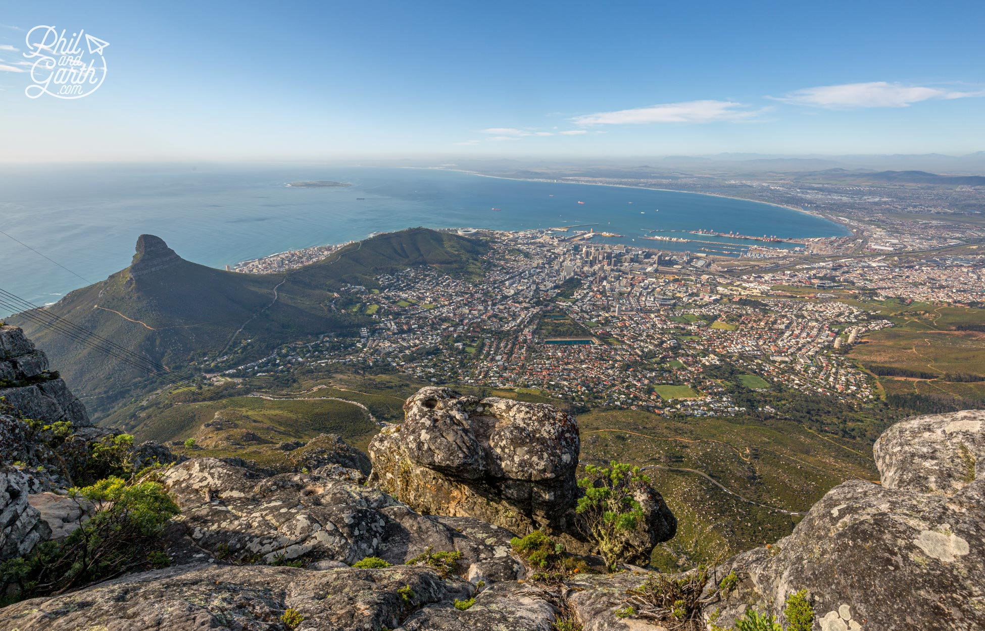 The impressive view of Cape Town from the top of Table Mountain