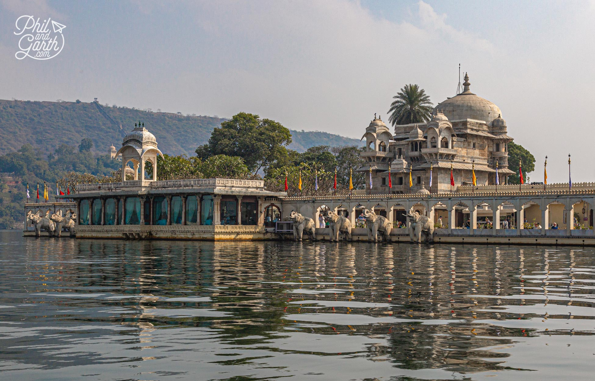 Boat trip on Lake Pichola to the Jagmandir Palace, now a hotel