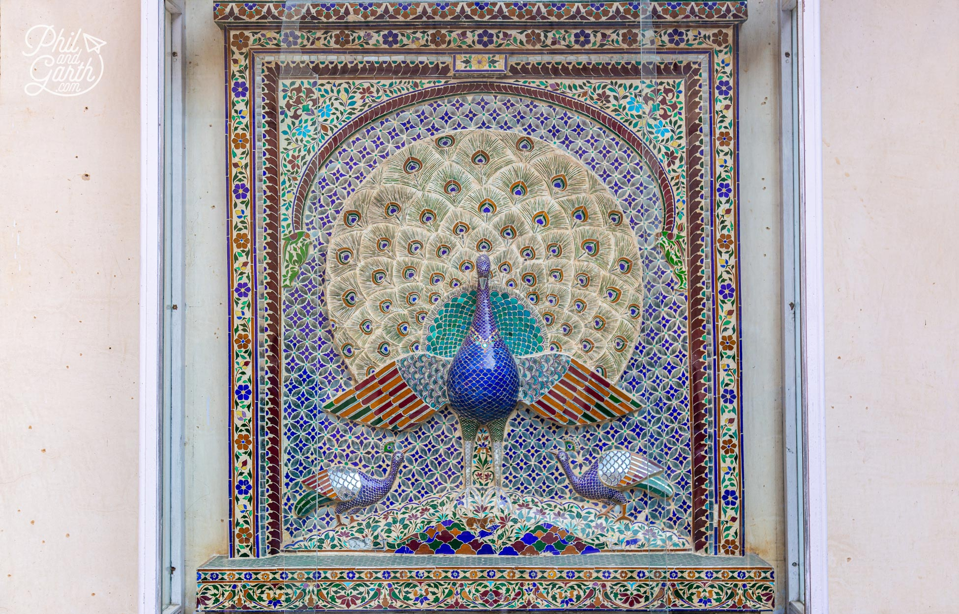 The highlight of Mor Chowk are 3 mosaic peacocks which represent summer, winter and the monsoon seasons