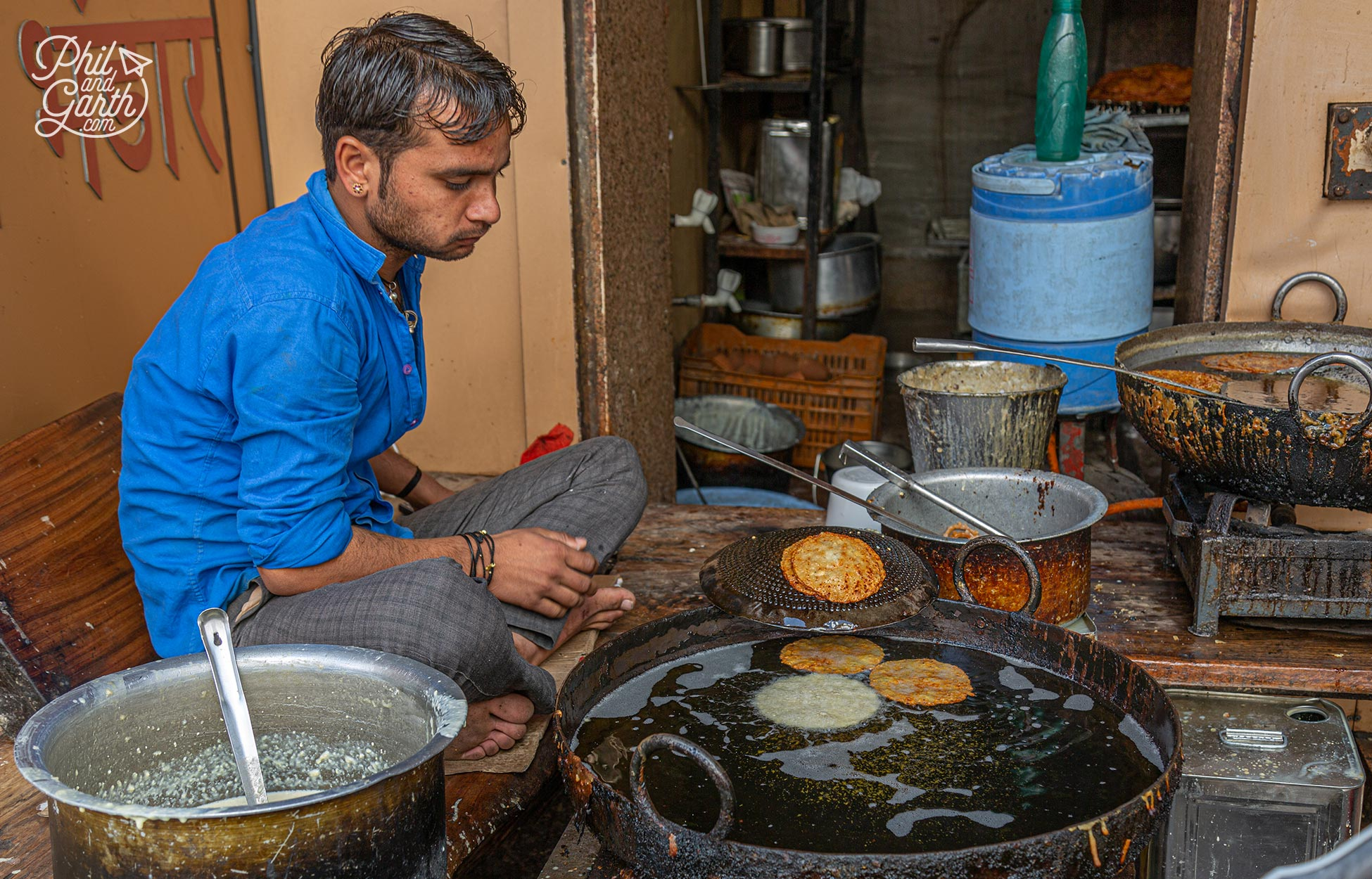 Places to visit in Pushkar - Street food stands, Indians do love their fried food and so do we!