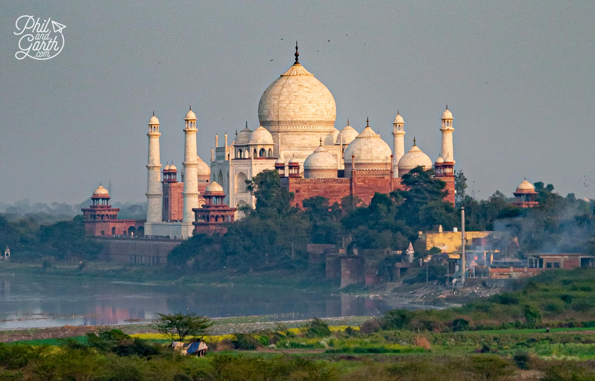 The impressive view of the Taj Mahal (photo taken with a zoom lens!)