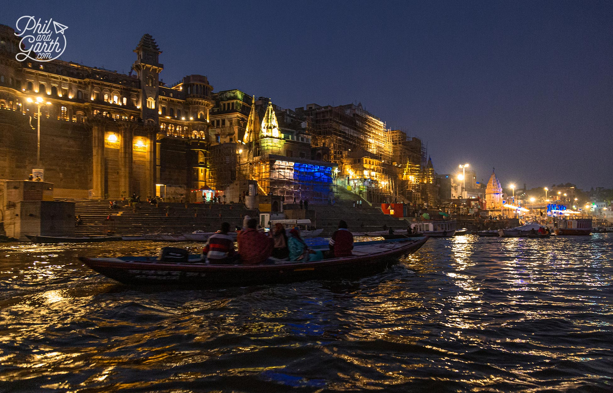 The journey back was fascinating as we listened to the sounds of the ghats like the sound from asitar
